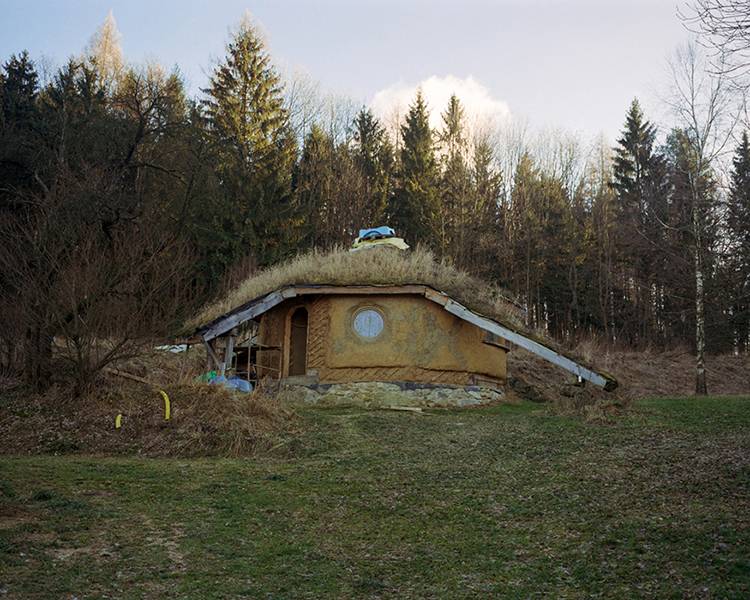 mateusz-kowalikstill-far-away-from-paradise-005