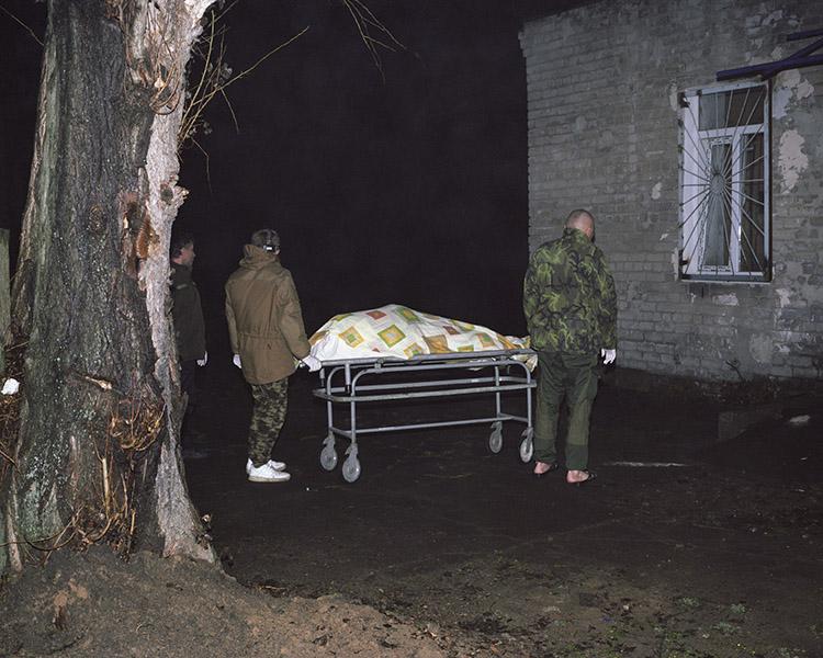 Kostnica przy szpitalu w Avdiivce, przedmieścia Doniecka.